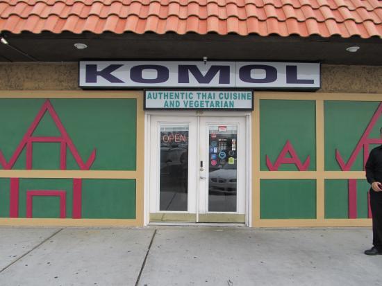 Komol Restaurant : Restaurant front.