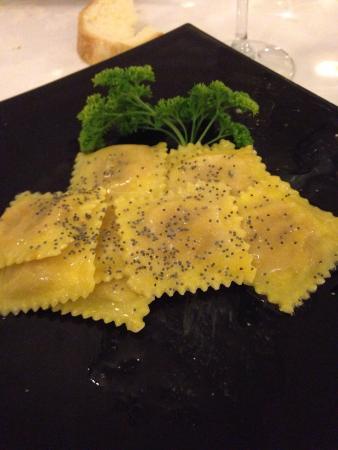 SHG Hotel Catullo Verona: Tortellini di zucca! Andate a cena solo se non avete fame!