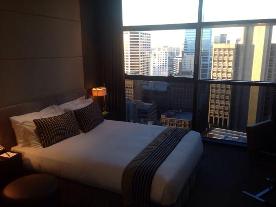 Fraser Suites Sydney: Room with a view!