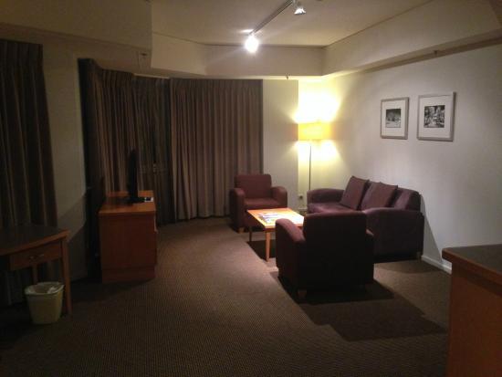 Novotel Perth Langley: Living Area