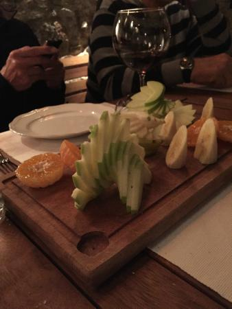 Avlu Bistro & Bar: OUR LOVELY COMPLIMENTARY FRUIT SALAD