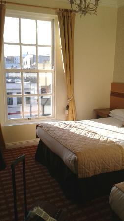 Bathroom Window Jammed bathroom window jammed open. - picture of castle hotel, dublin