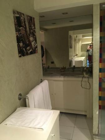 Soggiorno Rondinelli: bagno del secondo piano