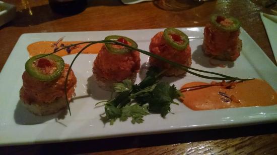 Kabuki Japanese Restaurant: spicy tuna