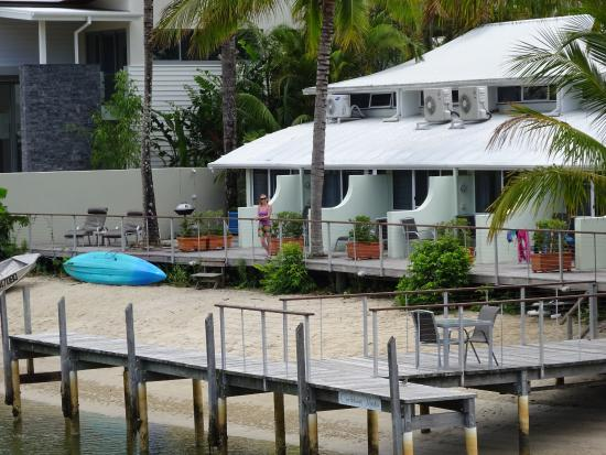 Caribbean Noosa: From the bridge looking towards the apartments