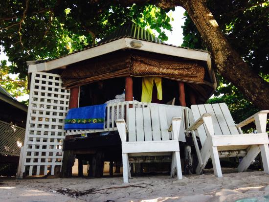 Vacations Beach Fales: the fale on the beach