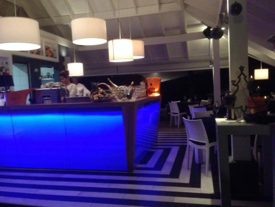 Eze Beach Bar Restaurant: Entrata