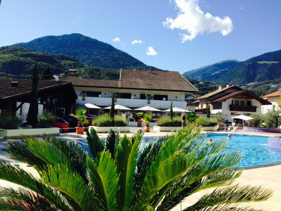Hotel & Resort Schlosshof : Outside Hotel