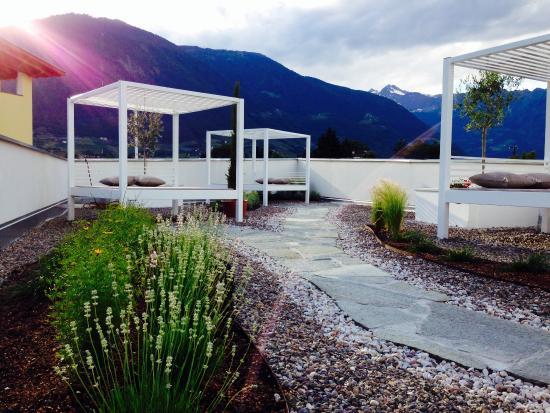 Hotel & Resort Schlosshof : White Terrace