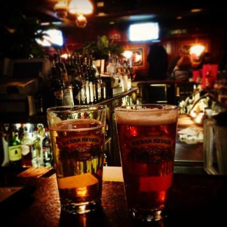 Rod's Olde Irish Tavern: Bar