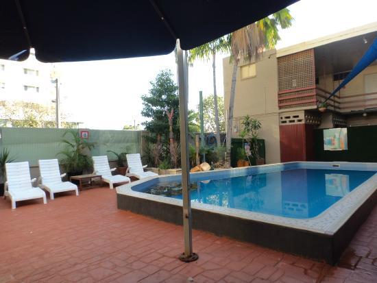 Darwin YHA: pool