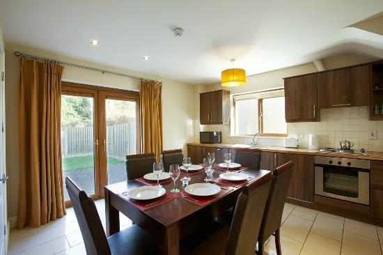 Park Hotel & Leisure Centre: Holiday Homes Kitchen