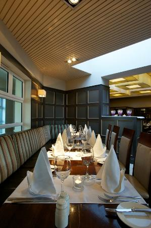 Park Hotel & Leisure Centre: The Garden Room Restaurant