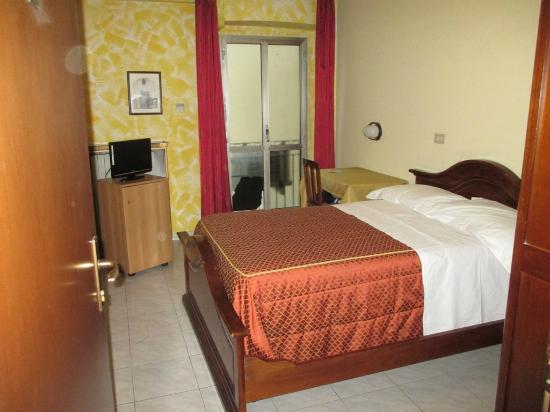 Camera da letto - Foto di Hotel Napoleon Torino, Torino - TripAdvisor