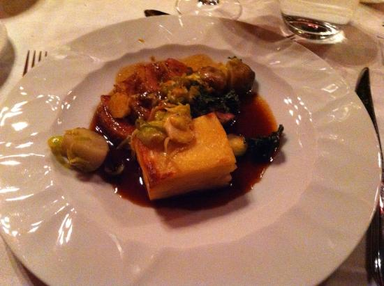 La Petite, Restaurant Francais : Duckbreast,potatocake and Brussels sprouts