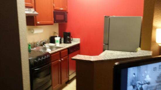 TownePlace Suites Fort Lauderdale West: Kitchenette