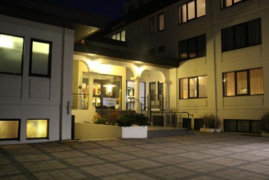 Hotel Ork: Entrance