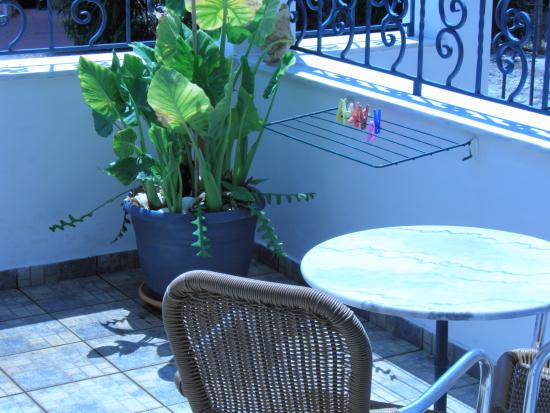 Myrto Apartments: Patio