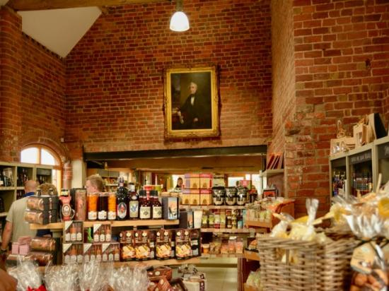 Apley Farm Shop - Food Hall, Cafe, Playbarn