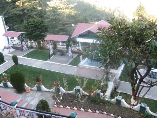 Krishna Mountview Mountain Resort: Garden