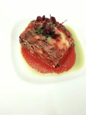 Leonardo S Dining Room And Wine Loft Review