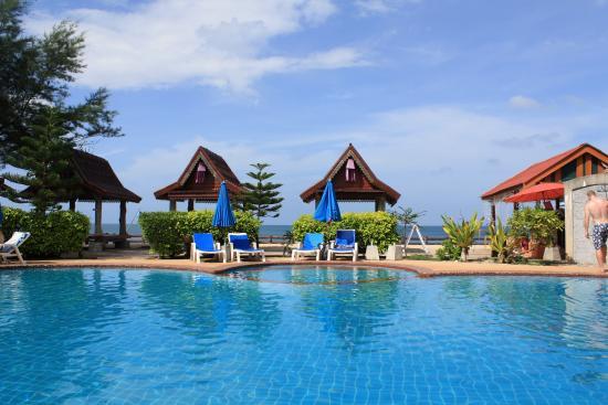 Blue Andaman Lanta Resort : бассейн