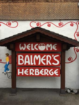 Balmer's Hostel: welcome sign