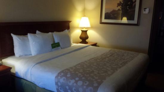 La Quinta Inn & Suites Thousand Oaks Newbury Park : King bed