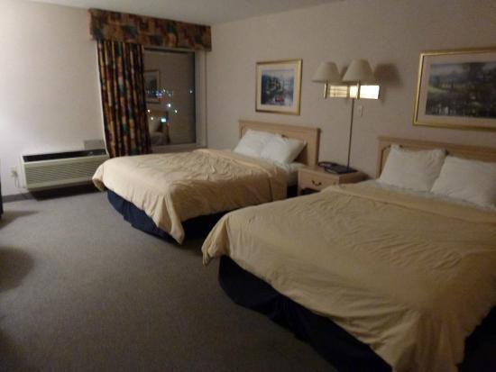 Travelodge Niagara Falls Hotel by the Falls : les lits