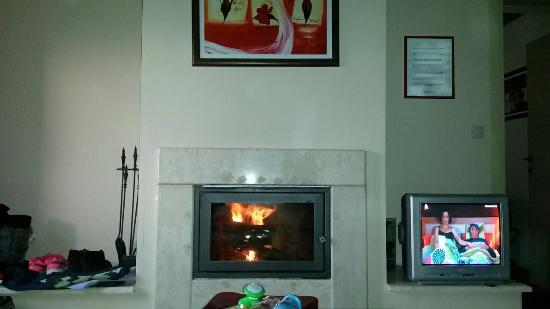 Portaria Hotel: Room 120 with fireplace : )