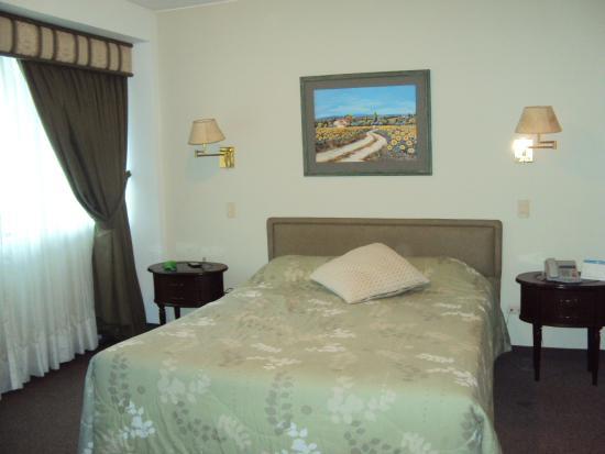 Hotel Monte Real: quarto