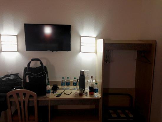 Motel 6 Montgomery Airport - Hope Hull : upgraded flat screen tv