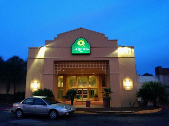 La Quinta Inn New Orleans Slidell: outside