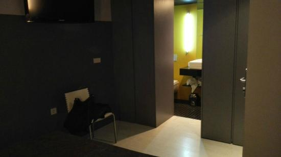 DingDong Telas: El inodoro prácticamente se ve desde la cama
