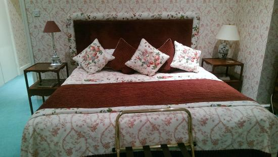 Granby House B&B: BIG BED