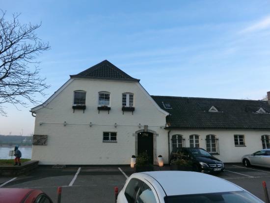 Top Hotel Schnellenburg am Rhein