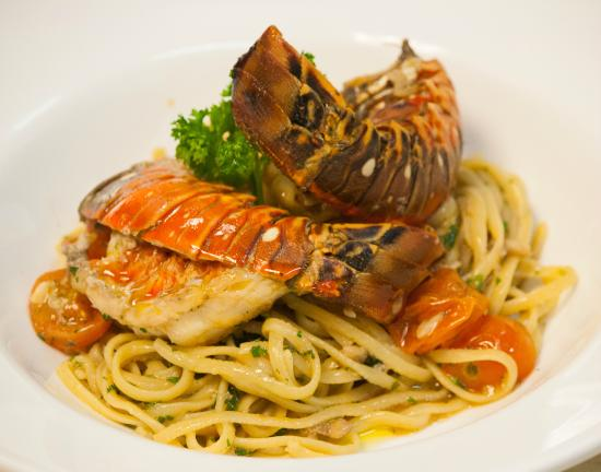 Como Como Osteria Mediterranea: Our pasta Linguine with fresh lobster