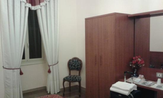 Principe Guest House: Dependências do quarto