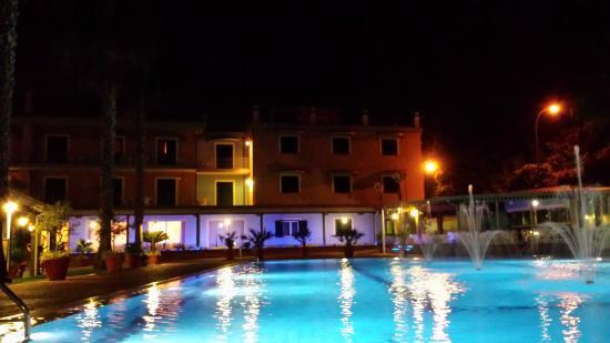 Hotel Orizzonte - Acireale: Una notte di luci e riflessi