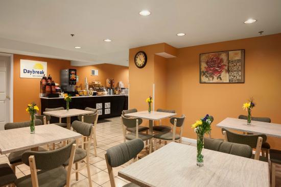 days inn by wyndham philadelphia convention center hotel. Black Bedroom Furniture Sets. Home Design Ideas
