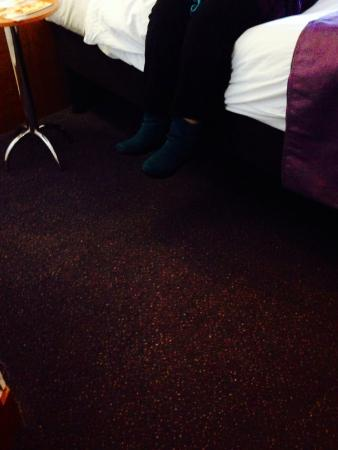 Premier Inn Chichester Hotel: 12 inches from floor!!