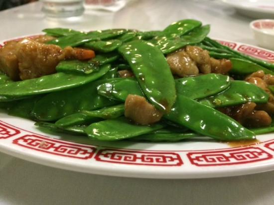 Chicken with Snow Peas - Picture of Kin Wah Chop Suey, Kaneohe ...