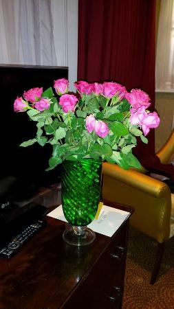 The Colonnade London: Roses in the 'Romance Package'