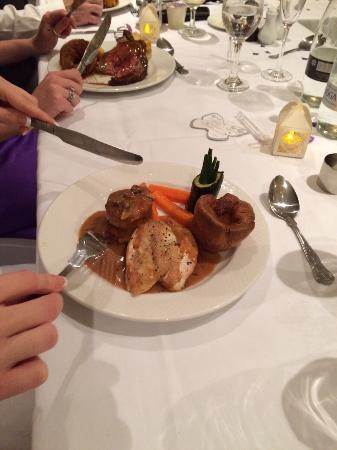 Holdsworth House Hotel & Restaurant: Wedding breakfast (chicken)