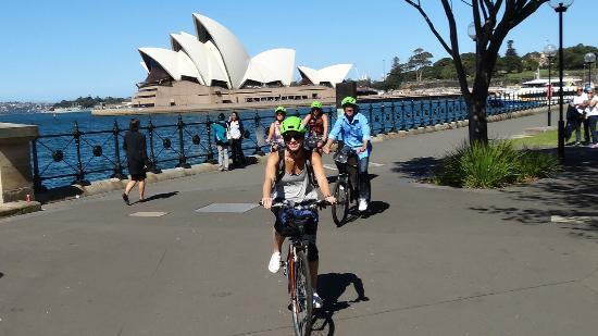 Bike Buffs - Sydney Bicycle Tours: Dawes Point