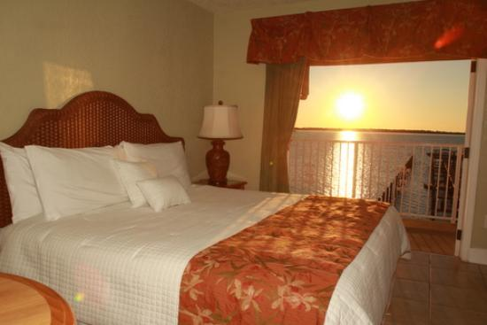Beso Del Sol Resort: Room Shot