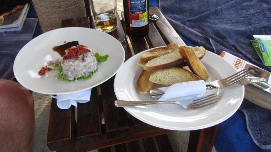 Ras Nungwi Beach Hotel : bon  tartare de   thon en après  midi