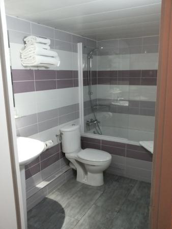 Hotel du Plat d'Etain: Bagno - Room 407