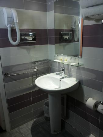 Hôtel du Plat d'Etain: Bagno - Room 407