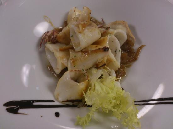 Sant Gregori, Spanyol: calamares salteados con cebolla dulce.
